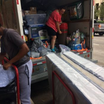 packing 3, people loading stuff in a uhaul
